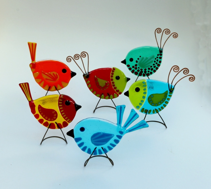 Fused glass freestanding birds.12cm. Available with copper or glass tails in a large variety of colours, orders may request specific colours.