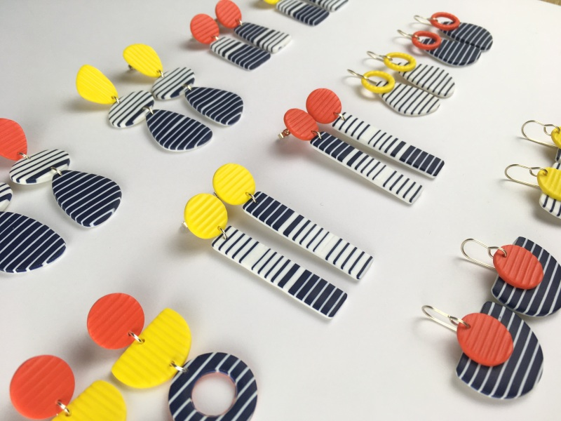 Elegant, chic and so French. A bright collection in primary colours, reminiscent of the long summer days.