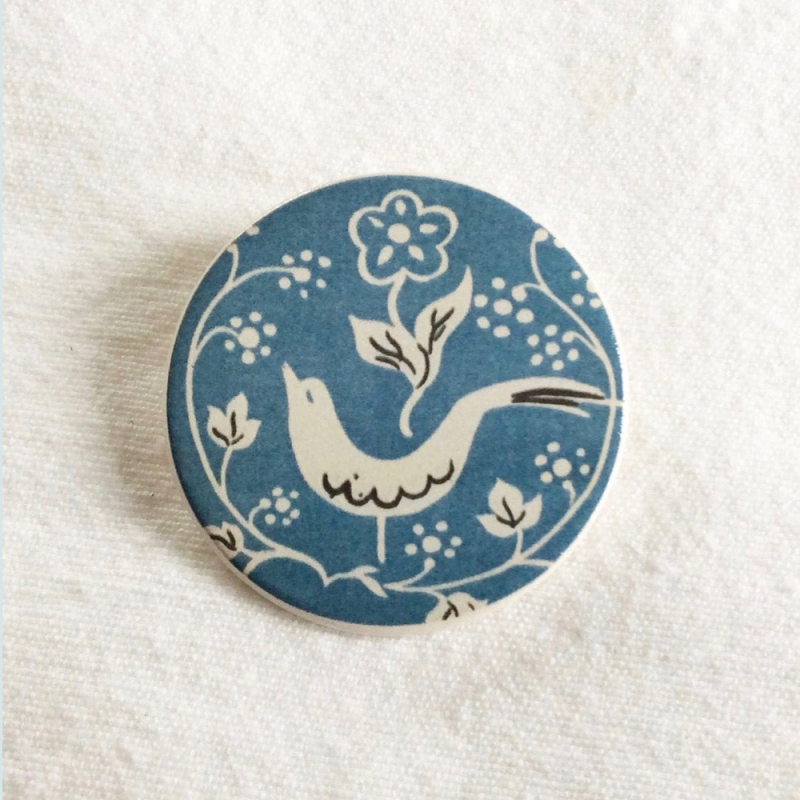 Select from our ceramic brooches featuring stunning floral designs from the Warner Textile Archive. All designs courtesy of the Warner Textile Archive. Handmade in Cornwall, UK.