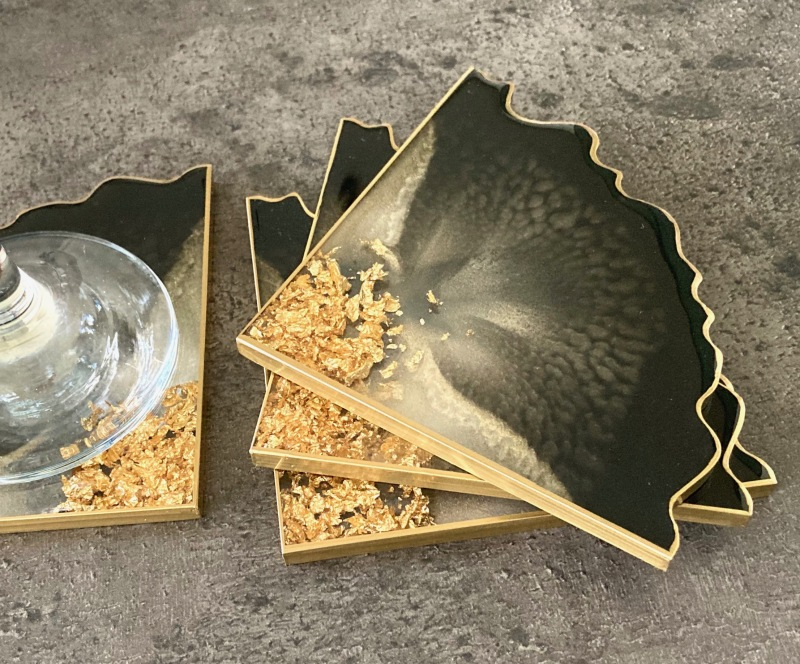 These 4 coaster sets can be made in any colour with either gold or silver details.