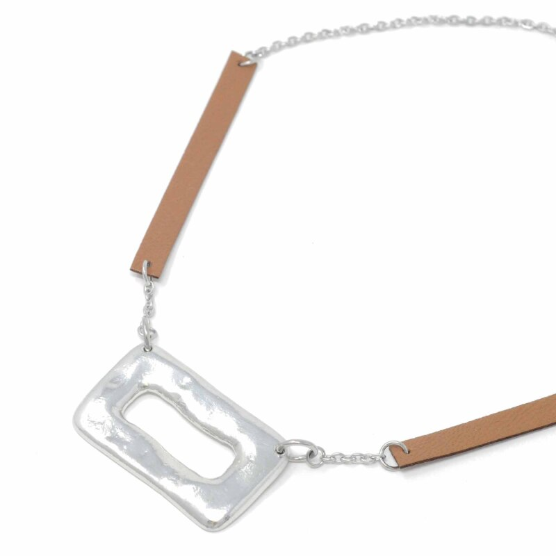 Sobo Short Ring Feature Necklace in Tan